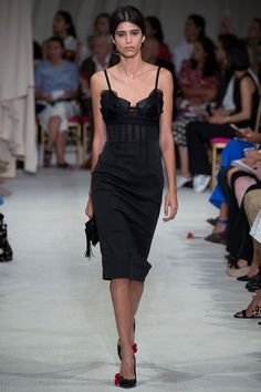Oscar de la Renta Spring / Summer 2016 SS16 - SexyBack on the Spring 16 Runway - Man Repeller article of what's sexy