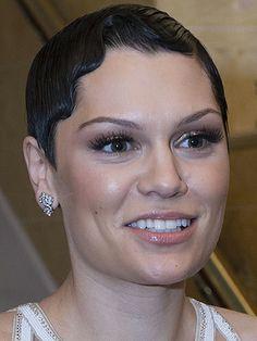 Jessie J perfects the Gatsby crop