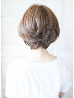 Pin on ヘアカタログ Pin on ヘアカタログ Medium Hair Styles, Curly Hair Styles, Shot Hair Styles, Hair Arrange, Hair Images, About Hair, Hair Dos, Hair Lengths, Short Hair Cuts
