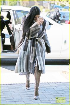 Kim Kardashian Shares Behind the Scenes Look While Filming 'Ocean's Eight' with Kendall Jenner | kim k shares bts pic while filming oceans eight with kendall 04 - Photo