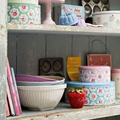 Open shelves | Country utility room ideas | Utility room | PHOTO GALLERY | Country Homes and Interiors | Housetohome.co.uk