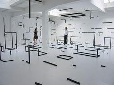 "ameliorez: ""Esther Stocker"" うわああああああああああ!何コレ!ちょうかっこいいんですけど!!! 計算・設計された、欠如。 Installationsansicht Abstract thought is a warm puppy, 2008 Raumarbeit mit Holzstäbenund Dispersion, 10,75 x 12,10 x 3 m, CCNOA - Center for Contemporary Non-Objective Art,..."