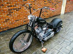 Chopper Motorcycle, Bobber Chopper, Motorcycle Style, Motorcycle Outfit, Motorcycle Garage, Chopper Kits, Harley Bobber, Women Motorcycle, Motorcycle Helmets