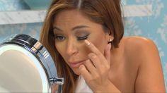 How to put on fake eyelashes like a pro