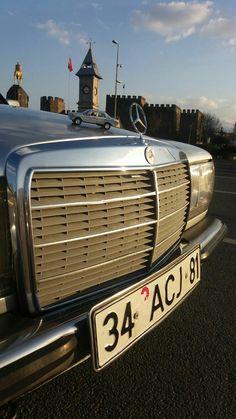 Mercedes-Benz w123 front view 230E