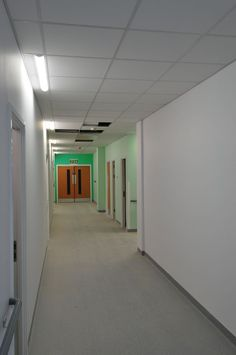 Project:  University Hospital, Birmingham  Architect:  Building Design Partnership Ltd  Main Contractor:  Balfour Beatty  Omega Ceiling Contractor:  Titan Ceilings Ltd  Ceiling Area:  120,000m2  Armstrong Solution:  BIOGUARD Plain,  BIOGUARD Acoustic  Ceiling Offcut Recycling Project
