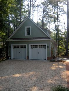 Detached garage - traditional - garage and shed - richmond - Miller Restoration & Construction, Inc. Detached Garage Designs, Detached Garage Plans, Carport Designs, Garage Ideas, Door Ideas, Diy Garage, Carport Ideas, Basement Ideas, Garage With Loft