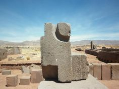 The H blocks at Puma Punku are another mystery. Built with the usual accuracy of other constructions at Puma Punku, these huge blocks have baffled archaeologists Ancient Mysteries, Ancient Ruins, Ancient Artifacts, Ancient History, Bizarre, Inca, Prehistory, Stone Cuts, Ancient Architecture