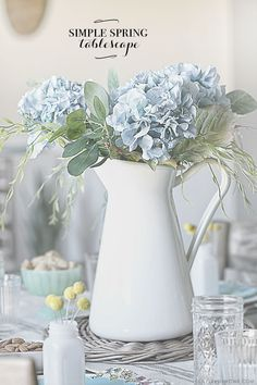 Host a spring brunch with simplicity and style! Adding pops of color and mixing the old with the new will keep the table settings simple and inviting. More Spring Brunch Ideas for Table Decor a Brunch Table Setting, Brunch Decor, Table Settings, Brunch Ideas, Place Settings, Farmhouse Table For Sale, Country Farmhouse Decor, Antique Farmhouse, Farmhouse Décor