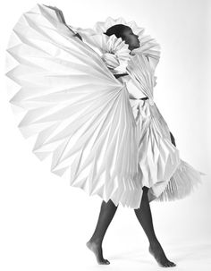 Carnival Costumes by Tara Keens Douglas http://strictlypaper.com/blog/2012/08/carnival-costumes-made-from-folded-paper/