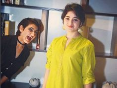 Dangal actress Zaira faced massive criticism for meeting Jammu and Kashmir Chief Minister Mehbooba Mufti on Saturday. Teen Celebrities, Bollywood Celebrities, Bollywood Fashion, Bollywood Actress, Celebs, Zaira Wasim, Casual Indian Fashion, Saree Blouse Neck Designs, Sleeves Designs For Dresses