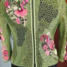 Нет описания фото. Irish Crochet, Crochet Lace, Lace Outfit, Irish Lace, Dresses With Sleeves, Velvet, Long Sleeve, Inspiration, Clothes