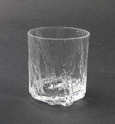 Kuura, Iittala. Design, Tapio Wirkkala. 1983-1991 Retro Design, Icon Design, Design Art, Shopping Places, Alvar Aalto, Drinking Glass, Marimekko, Old Antiques, Glass Design