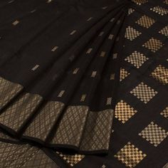 Handwoven Maheshwari Silk Cotton Saree With Resham Lehar Zari Border & Without Blouse