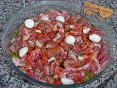 Kuşbaşı Et Terbiyesi Meat Recipes, Dinner Recipes, Healthy Recipes, Turkish Recipes, Ethnic Recipes, Meat Chickens, Iftar, Food And Drink, Yummy Food