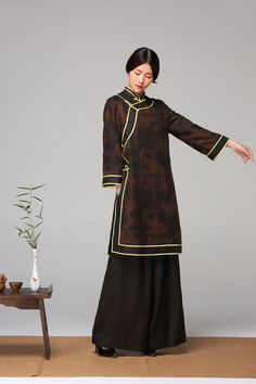For mother in Mulan but different color or grandma Oriental Dress, Oriental Fashion, Asian Fashion, Kimono Fashion, Hijab Fashion, Fashion Outfits, Traditional Fashion, Traditional Dresses, Asian Style