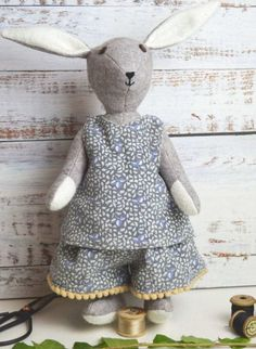Bluebell rabbit sewing pattern kit by A Sewing Life on Etsy. We also share an adorable tiny teddy bear free sewing pattern PDF by A Sewing Life with beautiful pattern to download as well as expert tips and step by steps from Lisa herself #rabbit ##teddy #bear #sewing #pattern #etsy #free #frombritainwithlove Sewing Patterns Free, Free Sewing, Doll Patterns, Knitting Patterns, Sewing Kit, Felt Fabric, Fabric Dolls, Felt Bunny, Bunny Rabbit