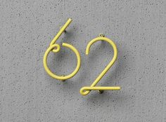 Wire house numbers.