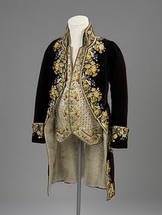 Court Suit    Silk velvet, cotton, silk thread    English    c. 1800