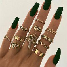 Hand Jewelry, Cute Jewelry, Jewelry Accessories, Costume Accessories, Women's Jewelry, Womens Jewelry Rings, Bling Jewelry, Vintage Accessories, Crystal Jewelry