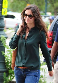 Silk blouse - Katie Holmes fashion label soars in sales! - New Idea Magazine - Lifestyle - silk blouse womens, black blouse long sleeve, v neck blouse women's *ad Green Blouse Outfit, Green Shirt Outfits, Cool Outfits, Casual Outfits, Blue Blouse, Look Fashion, Fashion Outfits, Womens Fashion, Gothic Fashion