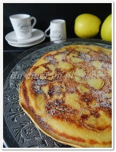 Beignet aux pommes à la poêle Breakfast Recipes, Snack Recipes, Snacks, Desserts With Biscuits, Crepe Recipes, Crepes, Easy Desserts, Sweet Recipes, Food And Drink