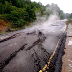 Centralia, PA is a ghost town. A mine fire has been burning beneath it since the Centralia Pennsylvania, Pennsylvania History, Places To See, Places Ive Been, Spooky Scary, Creepy, Gothic Aesthetic, Mad World, Mystery Of History