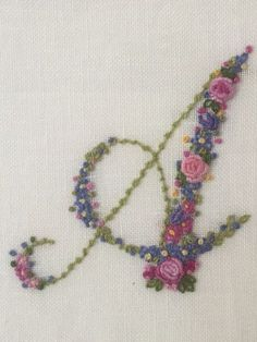 Hand Embroidery Letters, Hand Embroidery Videos, Hand Embroidery Flowers, Hand Work Embroidery, Simple Embroidery, Hand Embroidery Stitches, Hand Embroidery Designs, Ribbon Embroidery, Cross Stitch Embroidery