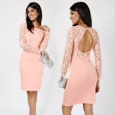 Langärmeliges Kleid mit Rückenausschnitt