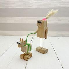 n56 serie6. Robot original de madera hecho por maderitas.es .Robot madera. Wooden robot. #woodworking #madera #robot