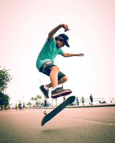 @pixelages_ pegou o kickflip perfeito e levou o #DesafioCanon122. Parabéns!  Não perca os próximos desafios!  via Canon on Instagram - #photographer #photography #photo #instapic #instagram #photofreak #photolover #nikon #canon #leica #hasselblad #polaroid #shutterbug #camera #dslr #visualarts #inspiration #artistic #creative #creativity