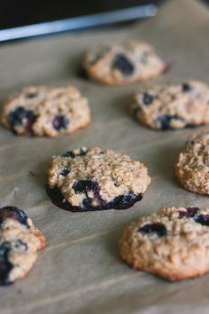 gluteenittomat kaurakeksit feelgoodkitchen Blueberry Oatmeal Cookies, Something Sweet, Healthy Baking, Cool Kitchens, Food Inspiration, Deserts, Food And Drink, Sweets, Eat