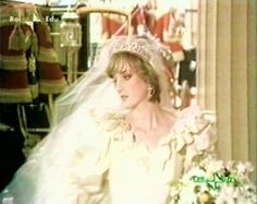 Image - The Wedding of Lady Diana Spencer & Charles - 29 juillet 1981 _ Suite - Diana , William & Catherine , Children _ Harry &. Prince Charles Et Diana, Charles And Diana Wedding, Princess Diana Wedding, Princess Of Wales, Real Princess, Lady Diana Spencer, Diana Son, Spencer Family, Royal Brides