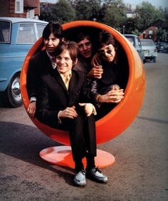 small faces in ball chair Steve Marriott, Faces Band, The Ventures, Whatever Forever, Ball Chair, Egg Chair, Womb Chair, Swivel Chair, 60s Rock