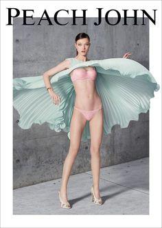 トップモデル、ユミ・ランバートがランジェリーでL.A.の街をキャットウォーク! - ファッションニュース