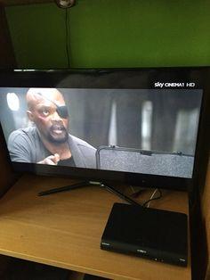 Oggetto che sicuramente non deve mancare in casa !! A cui sono molto legato e lo considero oggetto di arredamento!! Tv Samsung  3D