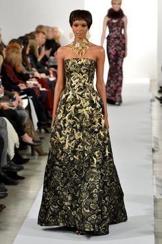 If These Oscar de la Renta Dresses Could Talk . . .: Before setting foot into an Oscar de la Renta show, you have a general idea of what to expect.