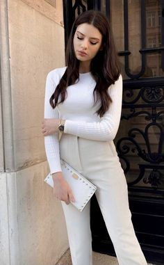 Classic Outfits For Women, Spring Outfits Classy, Basic Outfits, Winter Fashion Outfits, Mode Outfits, Simple Outfits, Look Fashion, Stylish Outfits, Classy Chic Outfits