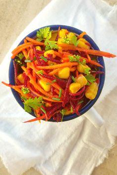 Sugg-r and some Salt: ensalada de zanahoria, remolacha y maíz #Ponunaensalada2016 Ratatouille, Carrots, Vegetables, Ethnic Recipes, Food, Arrows, Colorful, Dishes, Ethnic Food