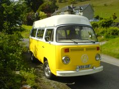 Daisy. Bay Window. Yellow under White #vwcamper #campervan