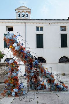 Modern Wedding Flowers, Bridal Flowers, Floral Wedding, Flower Installation, Floral Backdrop, Plein Air, Dried Flowers, Event Decor, Flower Designs
