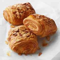 WILLIAMS SONOMA:   Almond Croissants, set of 15 croissants.  Puff pastry filled with rich creamy almond frangipane, sprinkled with toasted almonds.  Buttery almond croissants in the traditional French style. French Pastries.
