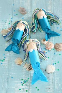 We're celebrating a mermaid birthday, Crafts on children's birthday parties - this is always a good idea to keep the little guests busy. We really like this idea. Diy Y Manualidades, Manualidades Halloween, Summer Crafts, Diy And Crafts, Crafts For Kids, Stick Crafts, Fall Crafts, Toilet Paper Roll Crafts, Paper Crafts