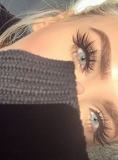pintrest @biinnxx those lashes are everything.