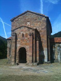 Romanesque Architecture, Art And Architecture, Pre Romanesque, Santa Cristina, Carolingian, Facade House, Kirchen, Medieval, Spain