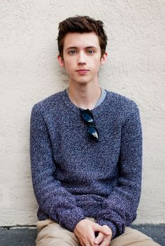 hi im troye and i like calling people nuggets #TroyeSivan