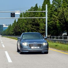 #현대기아 #기술 연구소 #주행시험장 에서 테스트 중인 #제네시스 #Genesis driving on the proving ground of the #Hyundai #Kia Technology Laboratory