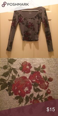 American Eagle crop top! Only worn once. Dark gray, long sleeve, crop top with flower design. American Eagle Outfitters Tops Crop Tops
