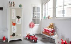 a website that helps you customise your IKEA funriture in the easiest way possible...