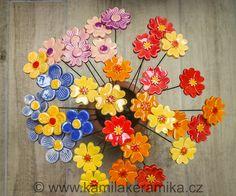 Keramické květinky - zápichy - k prodeji.